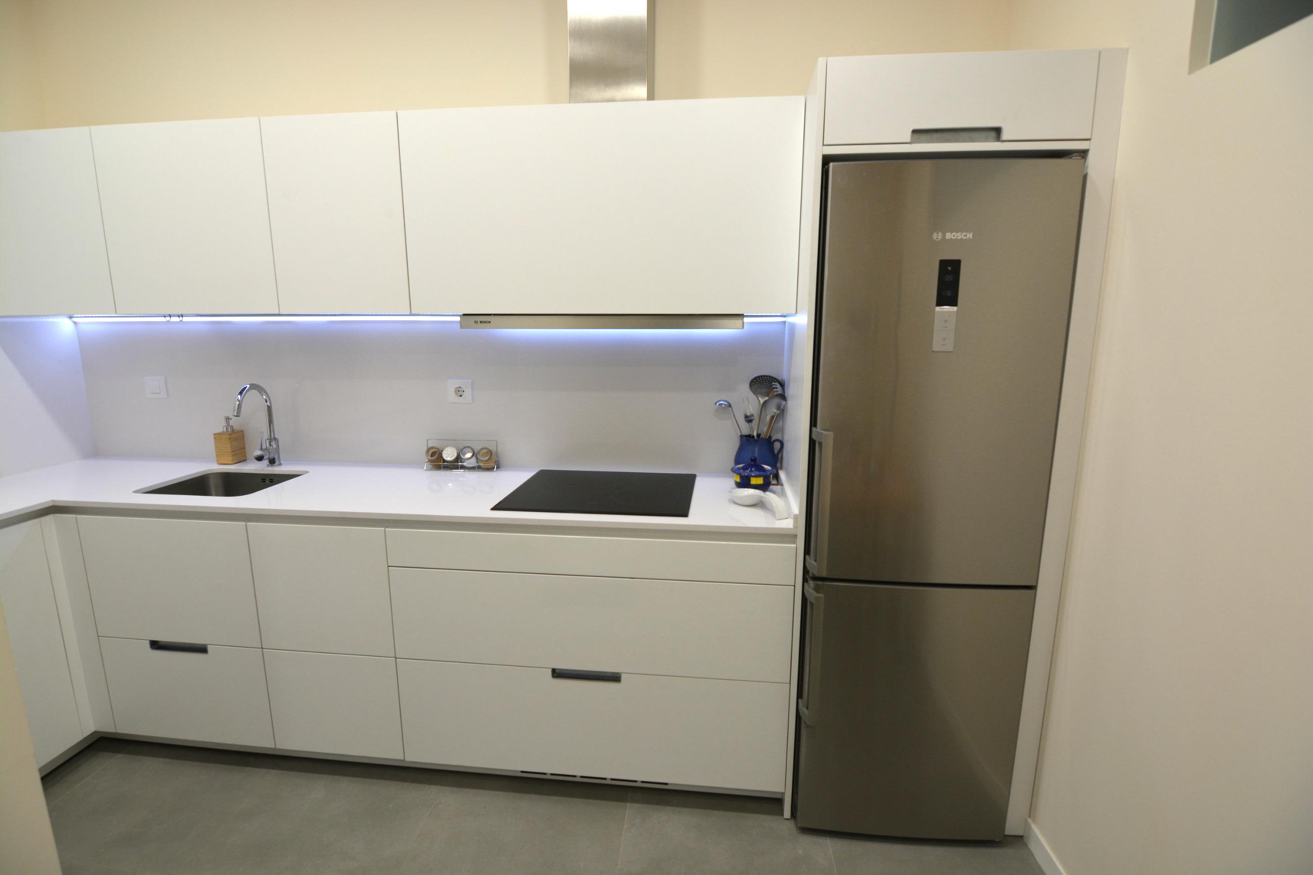Proyecto cocina equipamiento piezas habitat enjoy for Proyecto cocina